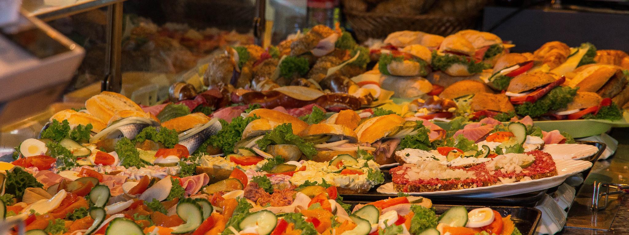 avus-treff-spinner-bruecke-catering